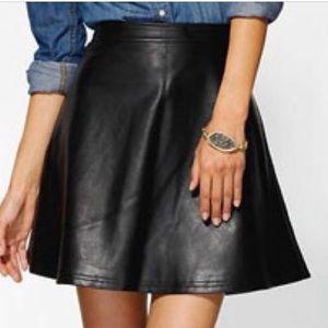Tinley Road Vegan Leather Skirt